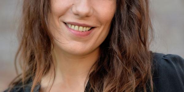 Zoé Félix : égérie Playtex et féministe, elle se confie